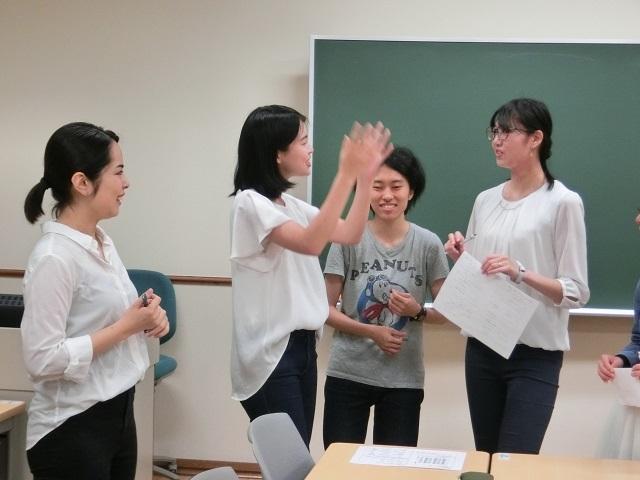 グループワーク中2.JPG