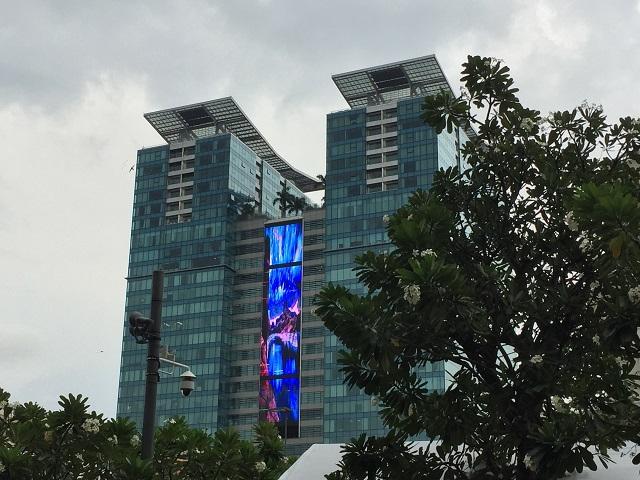 ホーチミン 真新しい高層ビル-r.jpg