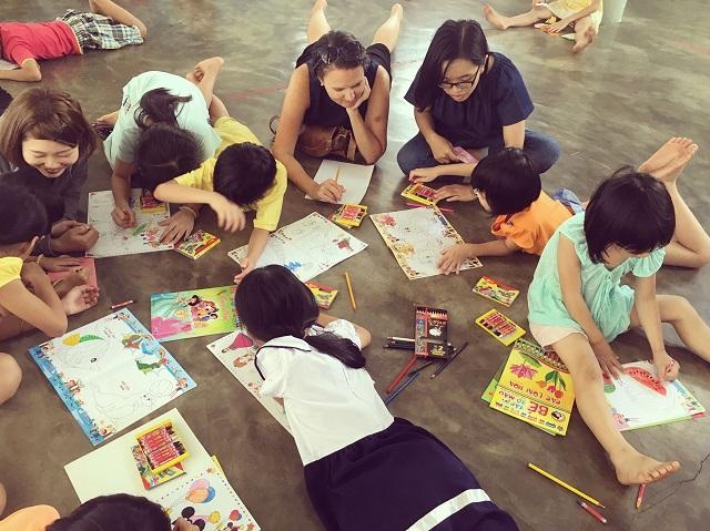 orphanage  孤児院-r.jpg