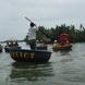 Cam Than 手漕ぎの船-r.jpg