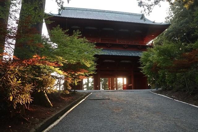 9月8日 高野山大門-r.jpg