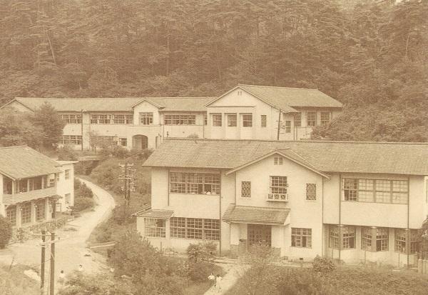 hiroshima_jogakuin_college_1949.jpg